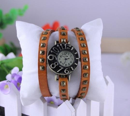 7321df0c28f DÁMSKE hodinky | Vintage Retro Punk hodinky hnedé | MiniStore.sk ...